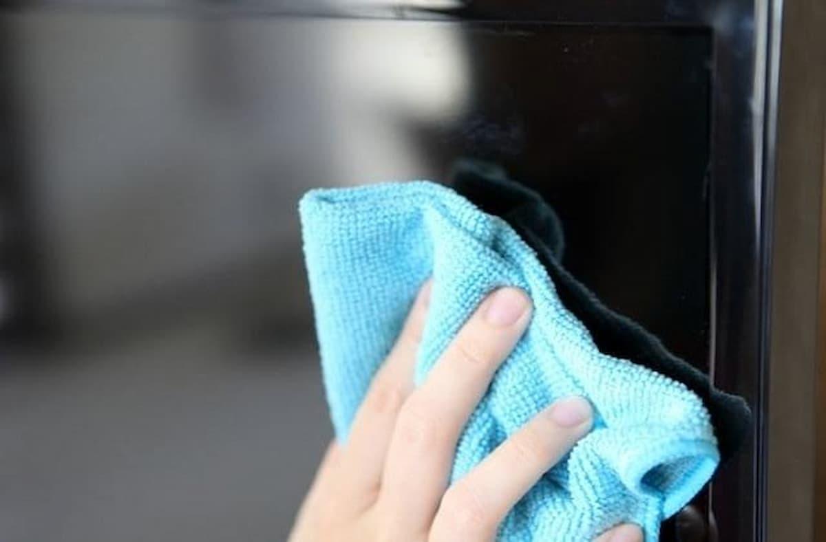 Como limpar tela de TV?